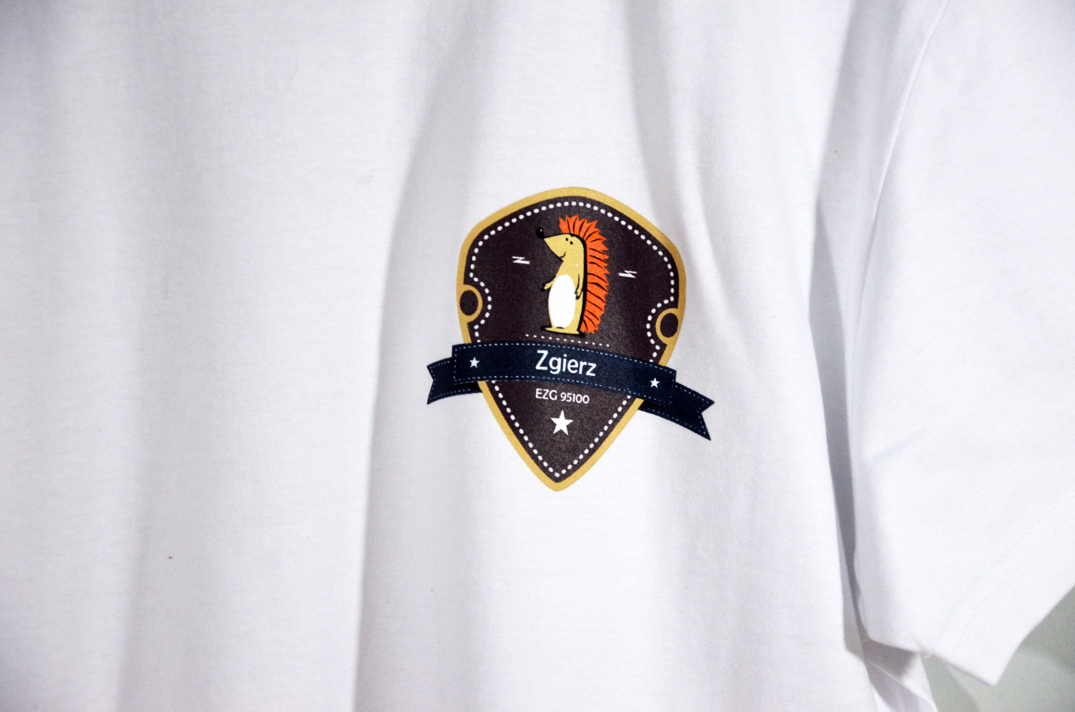T-shirty z nadrukiem lub logo firmy